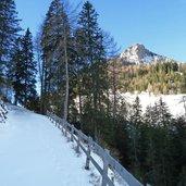 D-6240-fussweg-padaun-valser-tal-winter.jpg